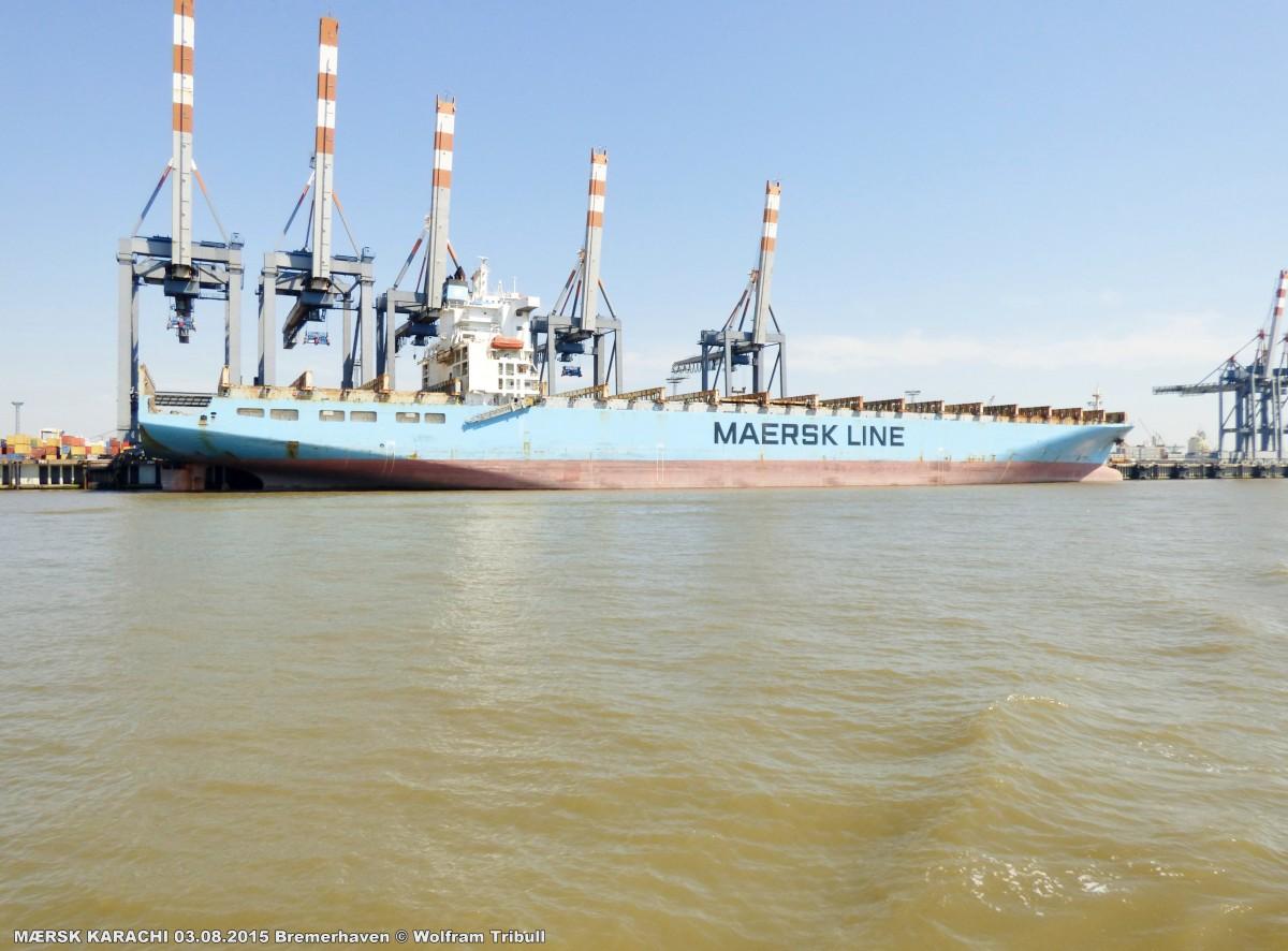 MÆRSK KARACHI am 03.08.2015 bei Bremerhaven Höhe Container Terminal
